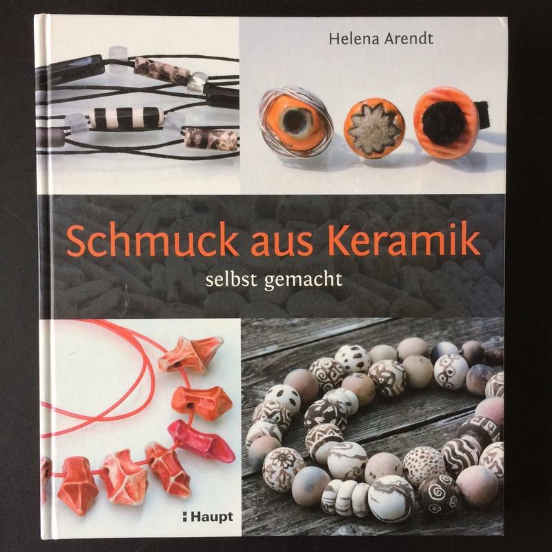 Buchcover Schmuck aus Keramik