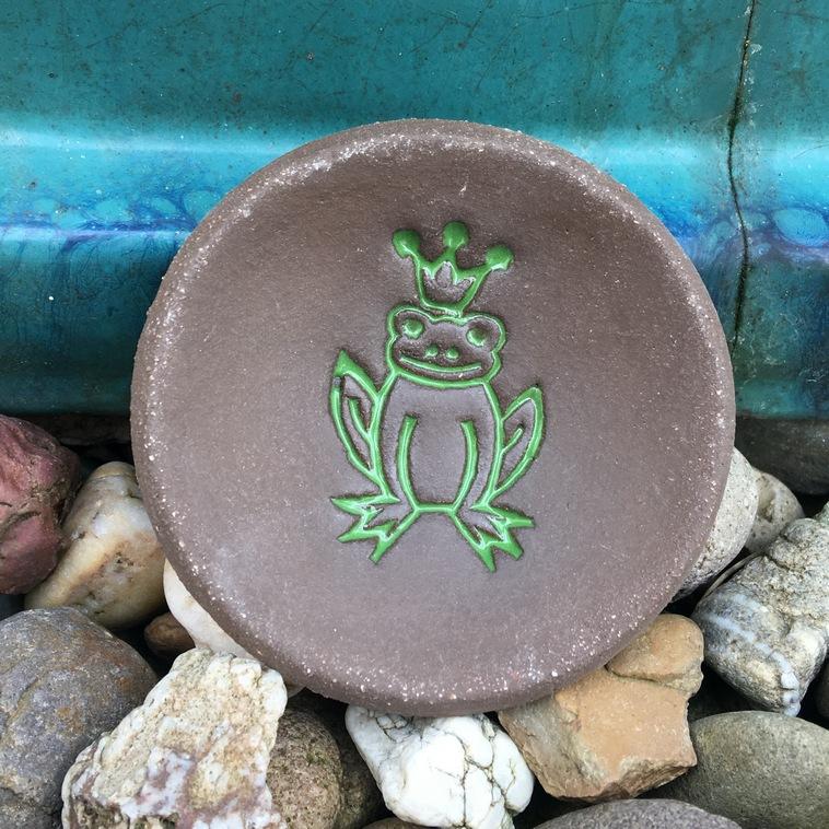 Plättchen mit Froschrelief, 9376 Apfelgrün