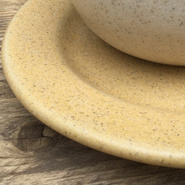 9895 Sandgranit, Teller